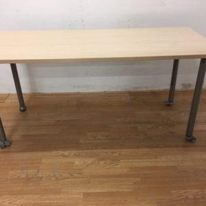 Table Strafor érable